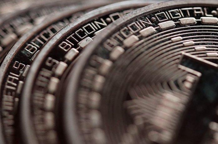 bitcoin_stabiliseert_rond_6450_dollar_maar_neerwaartse_trend_nog_niet_voorbij