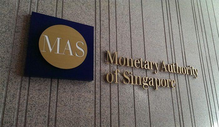 centrale_bank_singapore_bereid_crypto-startup_een_handje_te_helpen