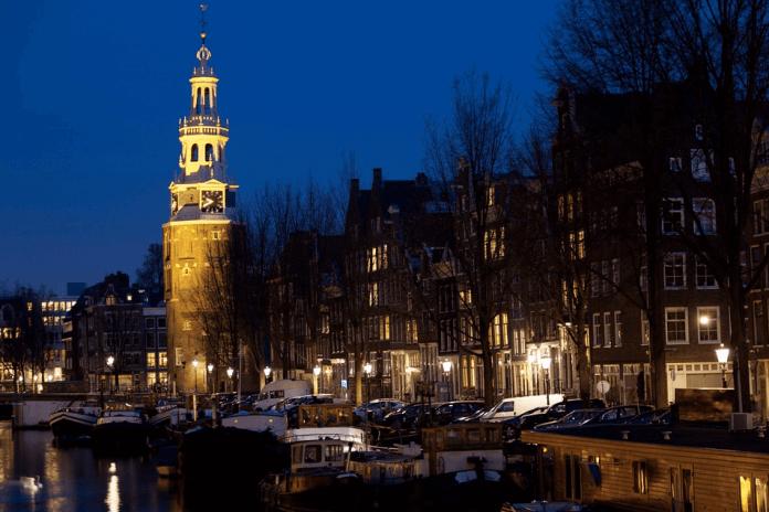 Amsterdamse ondernemers afgeperst, bitcoin of handgranaat