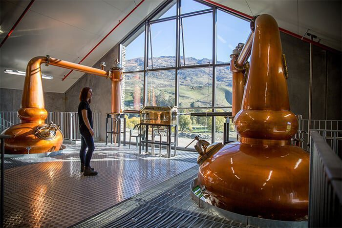 twee_distilleerderijen_gaan_middels_blockchain_de_strijd_aan_met_namaak_whisky
