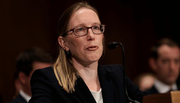 SEC Commissielid Hester Peirce zegt dat de cryptocurrency-markt zichzelf moet kunnen reguleren