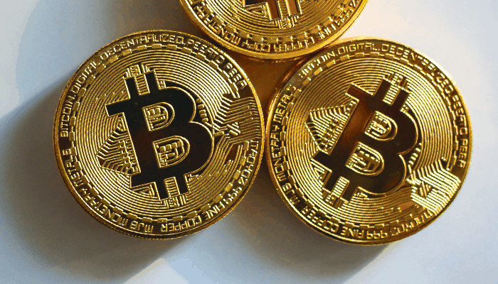 Bitcoin (BTC) herstelt, bizarre stijging bitcoin SV (BSV) van +100%