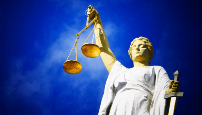 Twee individuen aangeklaagd voor het shadow banking van cryptocurrency bedrijven