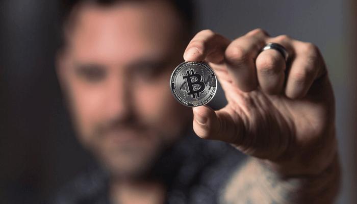 Bitcoin_(BTC)_ter_waarde_van_meer_dan_een_miljard_dollar_stroomt_weg_van_exchange,_is_dit_institutionele_FOMO
