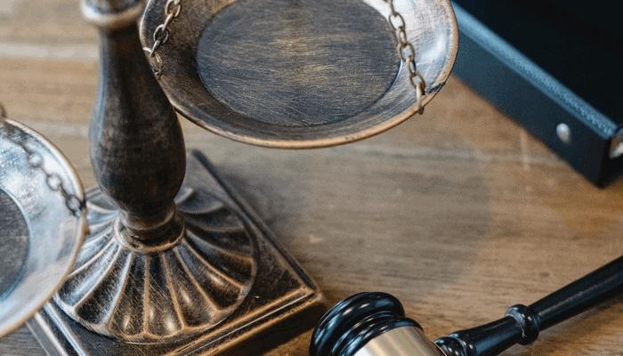 Ripple CEO waarschuwt dat SEC het bedrijf gaat aanklagen, wat hangt het boven het hoofd?
