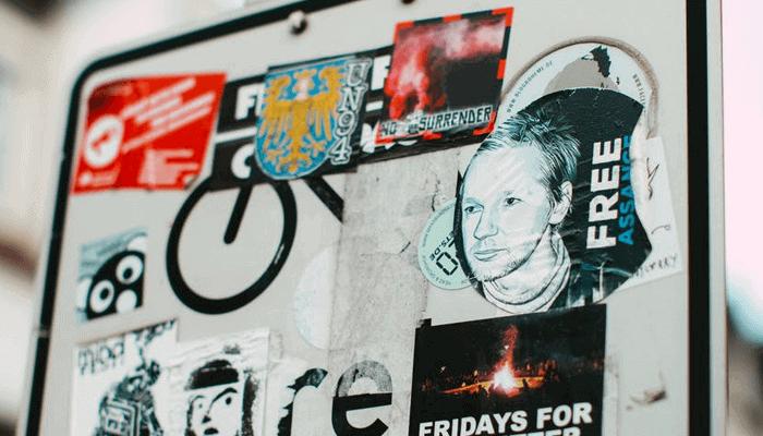 Bitcoin (BTC) community doneert meer dan $400.000 aan Julian Assange, die voorlopig niet wordt uitgeleverd